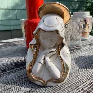 Other - Vintage Virgin Mary Gold and White planter
